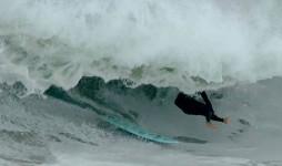 The Wedge olas grandes con surfers grandes