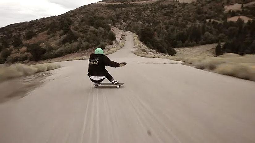 Tyler Howell downhill skateboarding en Utah