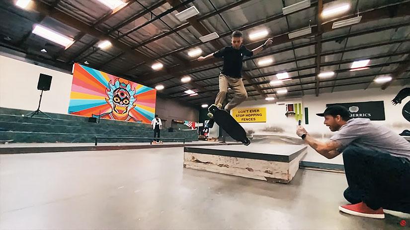 Longboard en el skatepark The Berrics con Eduardo Campos y Nick Jones