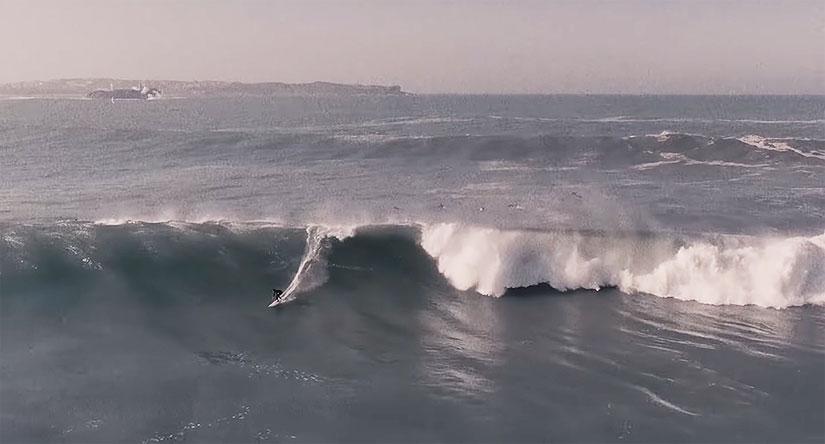 Las olas gigantes de Santa Marina del huracan Epsilon