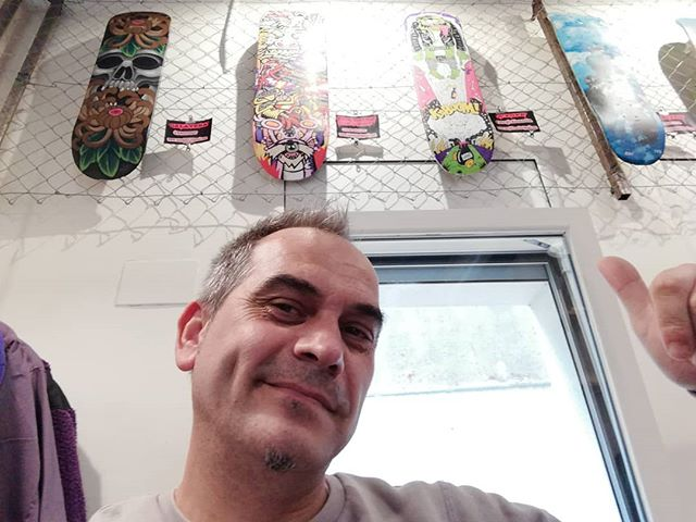 Jose Luis en STATE en la expo Skate Collective Art Deck
